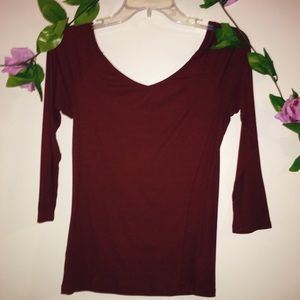 Old navy burgundy shirt ! 💜❤️